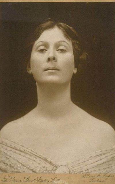 Historische Frau des Monats November 2015: Isadora Duncan