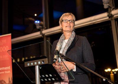 Janet Wilhelmi, Sparkasse Bremen, bei ihrem Grußwort