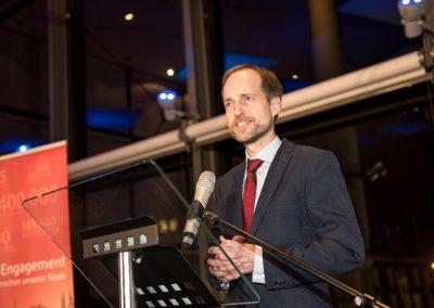 Ralf Stapp, Geschäftsführer der Bremer Aufbau-Bank, spricht zu den Teilnehmerinnen und Teilnehmern