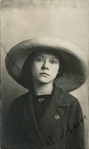 Historische Frau des Monats Juni 2019: Asja Lācis